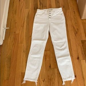 Brand new Madewell white jeans. Only worn once!